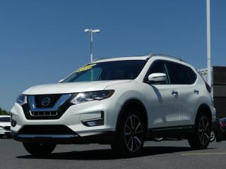 Used 2017 Nissan Rogue SL AWD CUIR TOIT PANORAMIQUE! for sale in St-Georges, QC