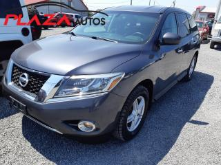 Used 2014 Nissan Pathfinder 4WD 4dr SV for sale in Beauport, QC
