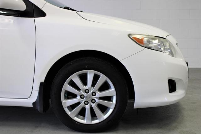 2010 Toyota Corolla 4-door Sedan LE 4A