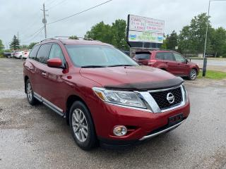 Used 2014 Nissan Pathfinder SL for sale in Komoka, ON