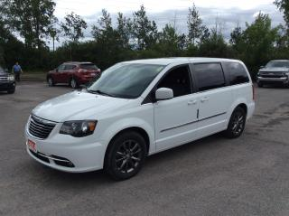 Used 2014 Chrysler Town & Country S - LEATHER - NAVIGATION - DVD PLAYER! ONLY 46K! for sale in Ottawa, ON