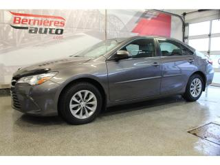 Used 2017 Toyota Camry LE for sale in Lévis, QC