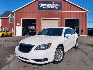 Used 2011 Chrysler 200 s 3.6L! Leather! AC! S model! for sale in Dunnville, ON