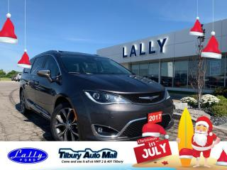 Used 2017 Chrysler Pacifica Limited, Rear DVD, Leather, Moonroof!! for sale in Tilbury, ON