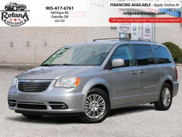 2014 Chrysler Town & Country TOURING w/Navi_Rear Camera_Leather_Stow N Go