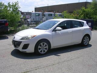Used 2010 Mazda MAZDA3 4dr HB Sport GX for sale in Richmond Hill, ON