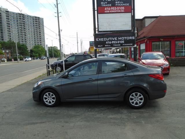 2012 Hyundai Accent GL/ CLEAN /NEW BRAKES / CERTIFIED / A/C