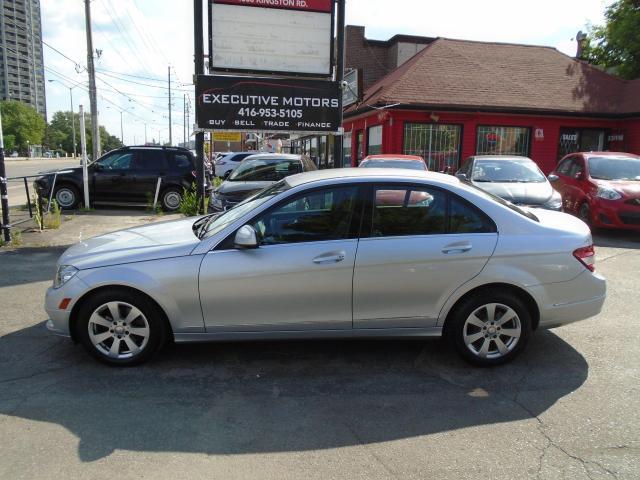 2009 Mercedes-Benz C-Class 2.5L/ MINT / LOW KM / LIKE NEW/ A/C / SHARP