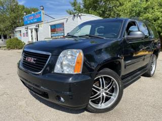 Used 2011 GMC Yukon 4WD 4dr SLT w/1SC *8 PASSENGER SEATS  ACCIDENT FREE for sale in Brampton, ON