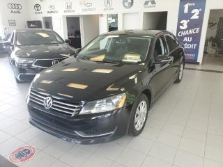 Used 2012 Volkswagen Passat TRENDLINE / MANUEL / AIR CLIMATISÉ / for sale in Sherbrooke, QC
