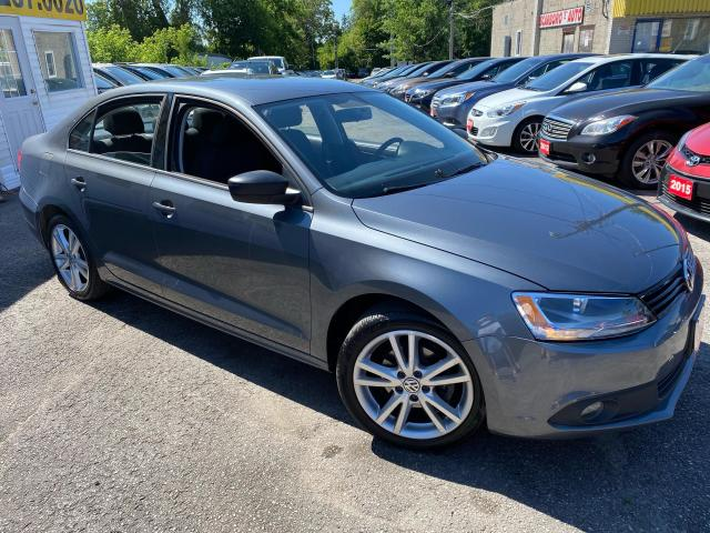 2012 Volkswagen Jetta TRENDLINE / AUTO/ PWR GROUP/ ALLOYS/ FOG LIGHTS ++