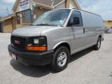 Photo of White 2007 GMC Savana