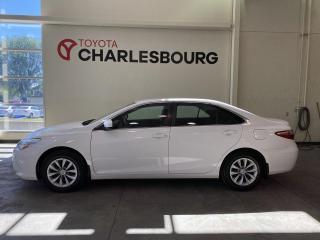 Used 2015 Toyota Camry LE - Sièges chauffants for sale in Québec, QC