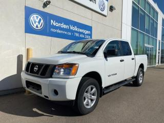 Used 2014 Nissan Titan S 4x4 Crew Cab SWB 139.8 in. WB for sale in Edmonton, AB