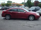 2013 Chrysler 200 Limited  sunroof/leather