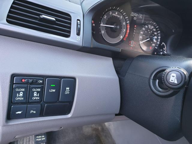 2015 Honda Odyssey EX-L w/RES Photo24