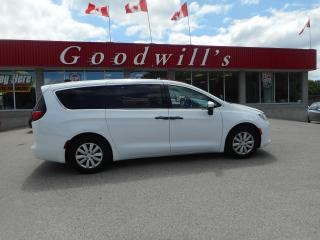 Used 2018 Chrysler Pacifica L! BACKUP CAM! BLUETOOTH! for sale in Aylmer, ON