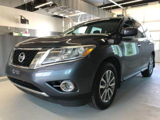 Used 2013 Nissan Pathfinder **SV**7 PASSAGERS** V6**AWD** HITCH 7 BRINS !!! for sale in Val-d'Or, QC