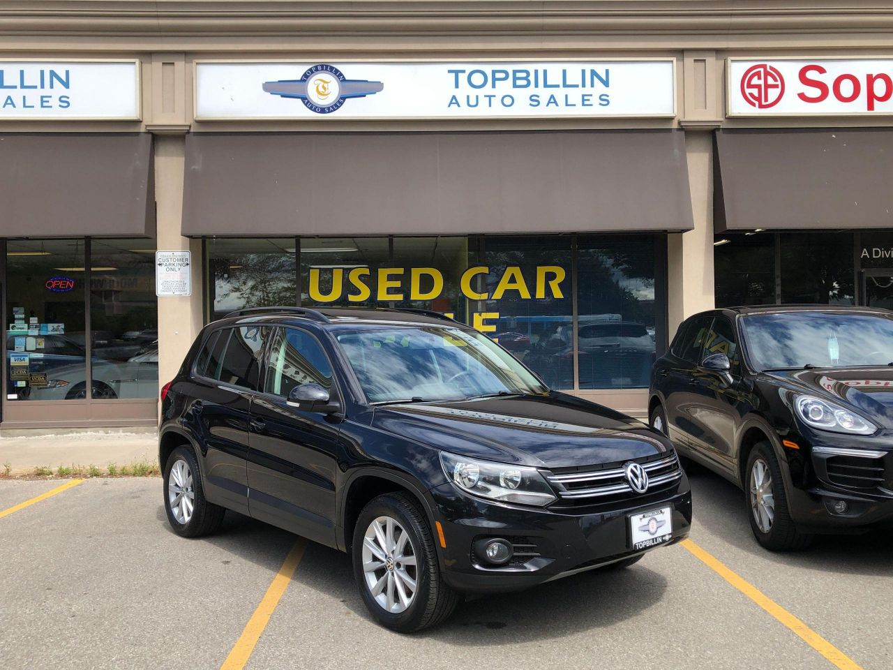 2015 Volkswagen Tiguan AWD Leather, Pano Roof, Backup Cam