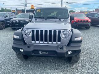 Used 2019 Jeep Wrangler Sport tres propre, peu de kilo for sale in Val-D'or, QC