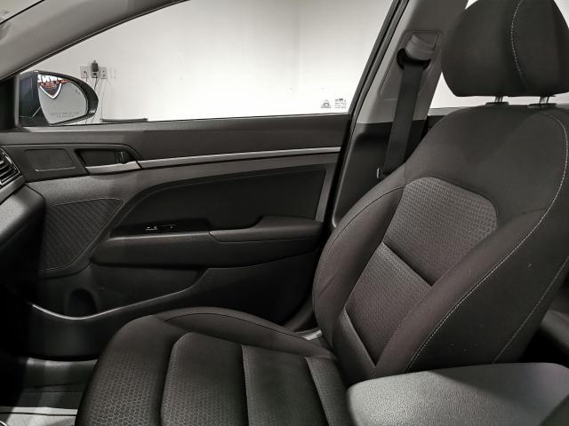 2017 Hyundai Elantra GLS Photo22