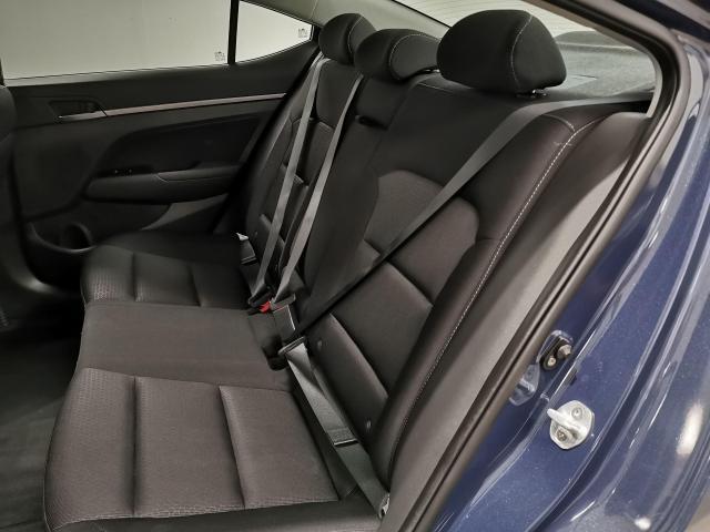 2017 Hyundai Elantra GLS Photo24