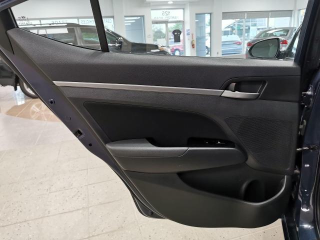 2017 Hyundai Elantra GLS Photo25