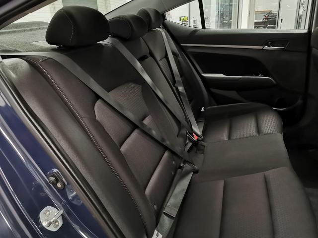 2017 Hyundai Elantra GLS Photo27
