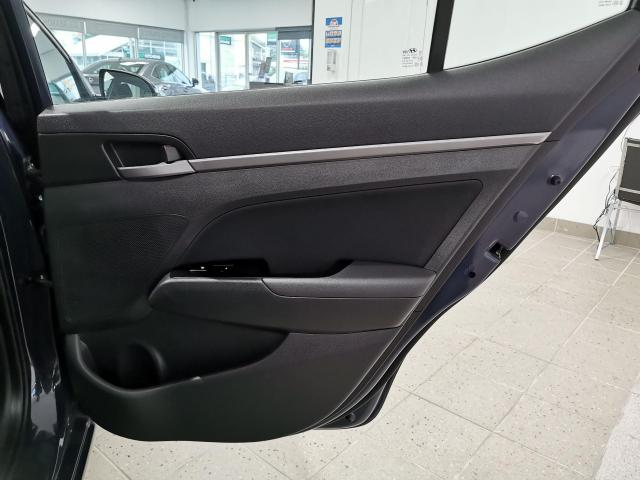 2017 Hyundai Elantra GLS Photo28
