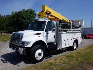 Used 2002 International 7400 DT466 Bucket Truck Diesel Air Brakes for sale in Burnaby, BC