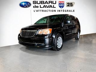 Used 2013 Chrysler Town & Country Touring ** Lecteur Blu-Ray ** for sale in Laval, QC