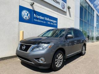 Used 2016 Nissan Pathfinder SL AWD - LEATHER / SUNROOF / LOADED for sale in Edmonton, AB