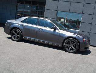 Used 2014 Chrysler 300 300S|NAVI|REARCAM|PANOROOF|20 inch ALLOYS for sale in Toronto, ON