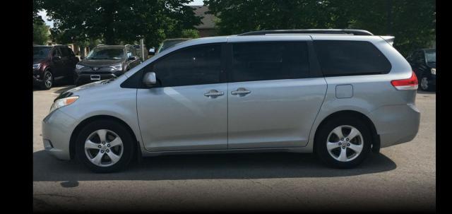 2011 Toyota Sienna Le, 8 Passenger
