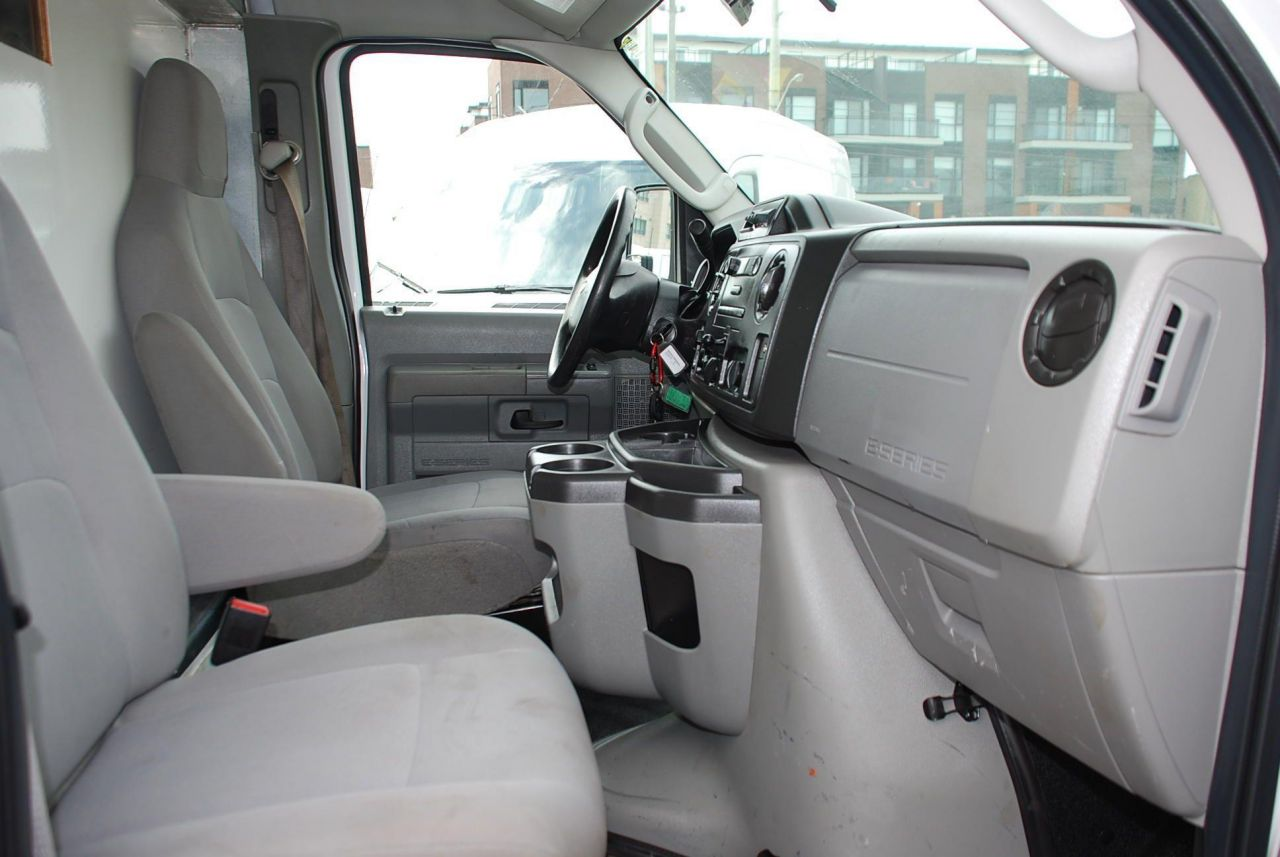 2016 Ford E450
