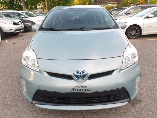 2013 Toyota Prius HB Photo2
