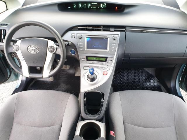 2013 Toyota Prius HB Photo10
