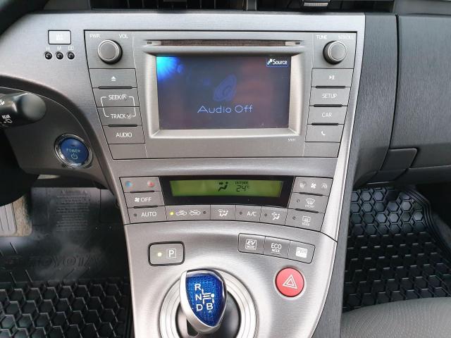 2013 Toyota Prius HB Photo12