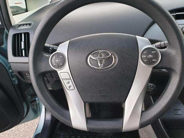 2013 Toyota Prius HB Photo13