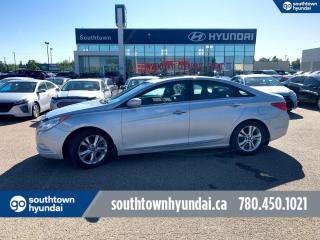 Used 2013 Hyundai Santa Fe LIMITED XL/ 6 PASS/BLIND SPOT/PANO SUNROOF/BACKUP CAM for sale in Edmonton, AB