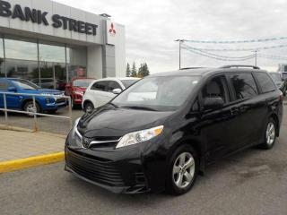 Used 2018 Toyota Sienna 8 PASSENGER LE for sale in Gloucester, ON