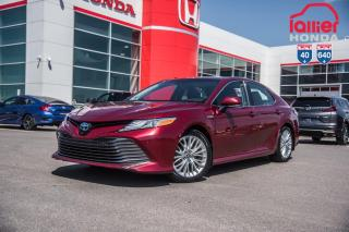 Used 2018 Toyota Camry HYBRID XLE/EQUIPEMENT COMPLET P5113 BOURGOGNE for sale in Terrebonne, QC