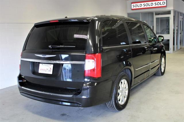 2013 Chrysler Town & Country Touring Wagon