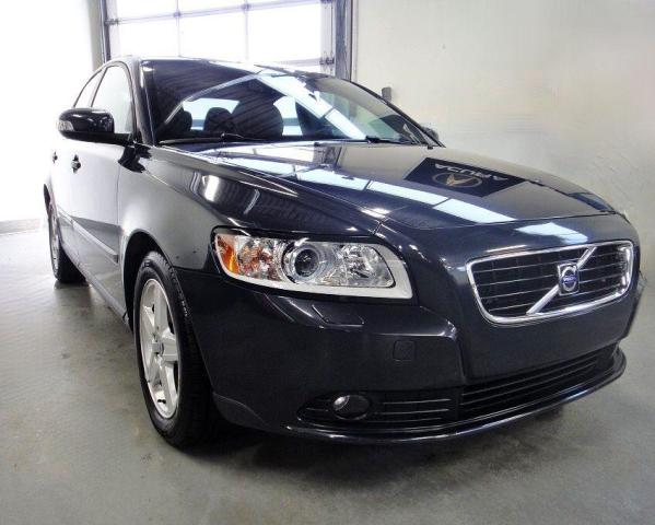 2010 Volvo S40 LOW KM,ONE OWNER,NO ACCIDENT