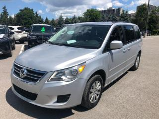 Used 2009 Volkswagen Routan Trendline for sale in Whitby, ON