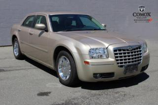 Used 2006 Chrysler 300 4dr Sdn 300 RWD for sale in Courtenay, BC