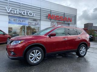 Used 2016 Nissan Rogue SV AWD TECH PACKAGE, TOIT PANO, NAV, BAS KILOMÉTRAGE for sale in Val-d'Or, QC
