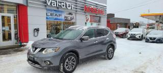Used 2016 Nissan Rogue SL PLATINE AWD, TOIT PANO, NAV, CUIR BAS KILOMETRAGE for sale in Val-d'Or, QC