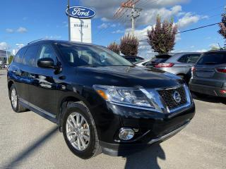 Used 2015 Nissan Pathfinder SL CUIR TOIT GPS AWD for sale in St-Eustache, QC