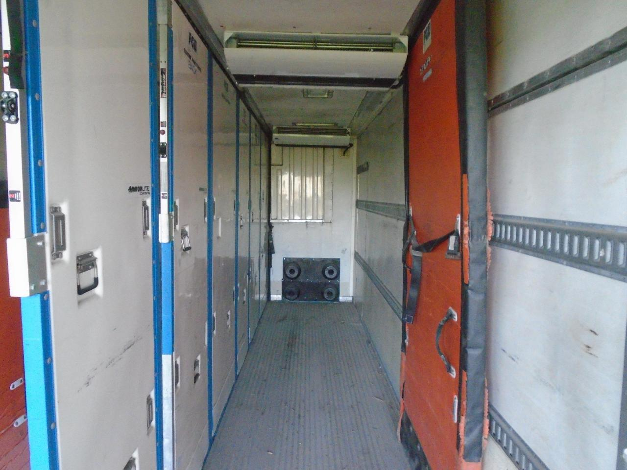 2006 MANAC Reefer w tail gate